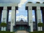 Problem rozstrzygania spraw własności przemysłowej przez sądownictwo powszechne i administracyjne, a idea powstania Sądu Własności Przemysłowej